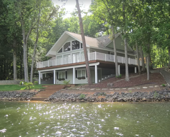 Gorgeous Lake Wylie Waterfront Home