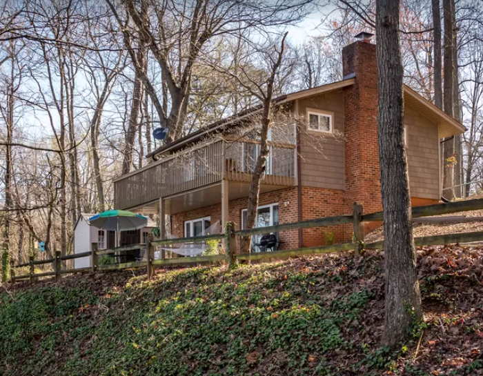 2 Bedroom/2 Bath Nestled in the Woods But Close to Retail and Attractions
